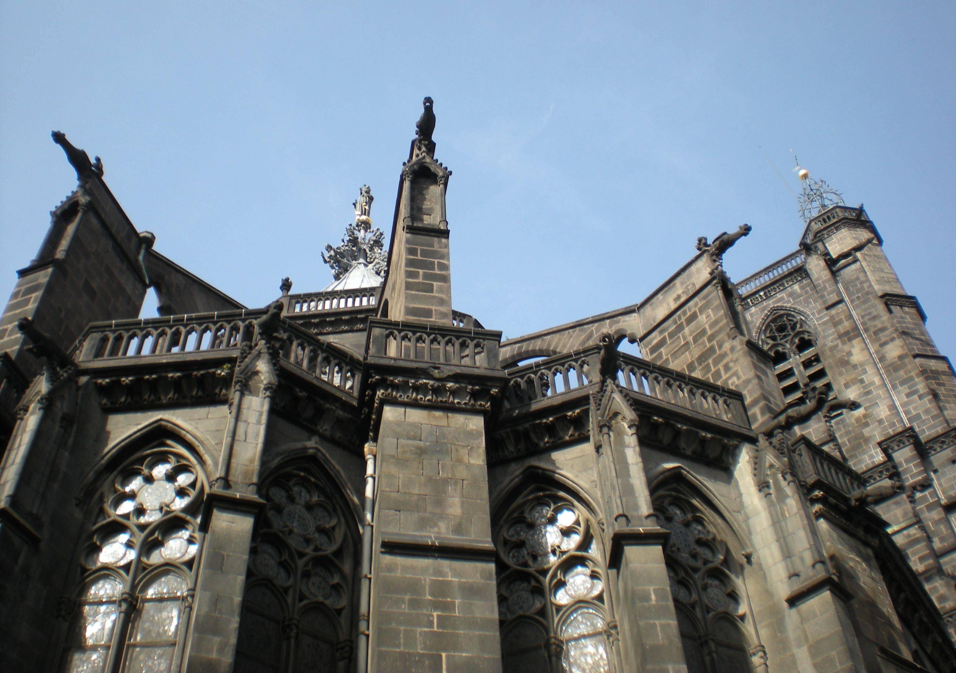 File clermont ferrand catedral zona for Casiers de rangement clermont ferrand