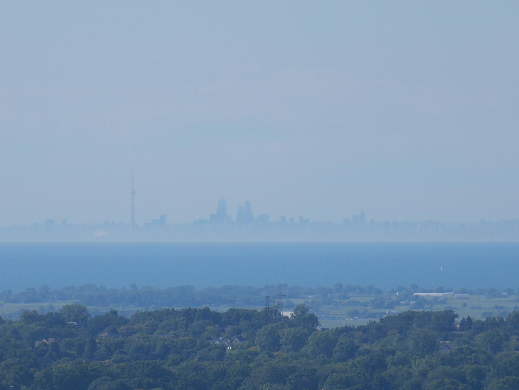File Cn Tower As Seen From Skylon Tower Niagara Falls Jpg Wikimedia Commons