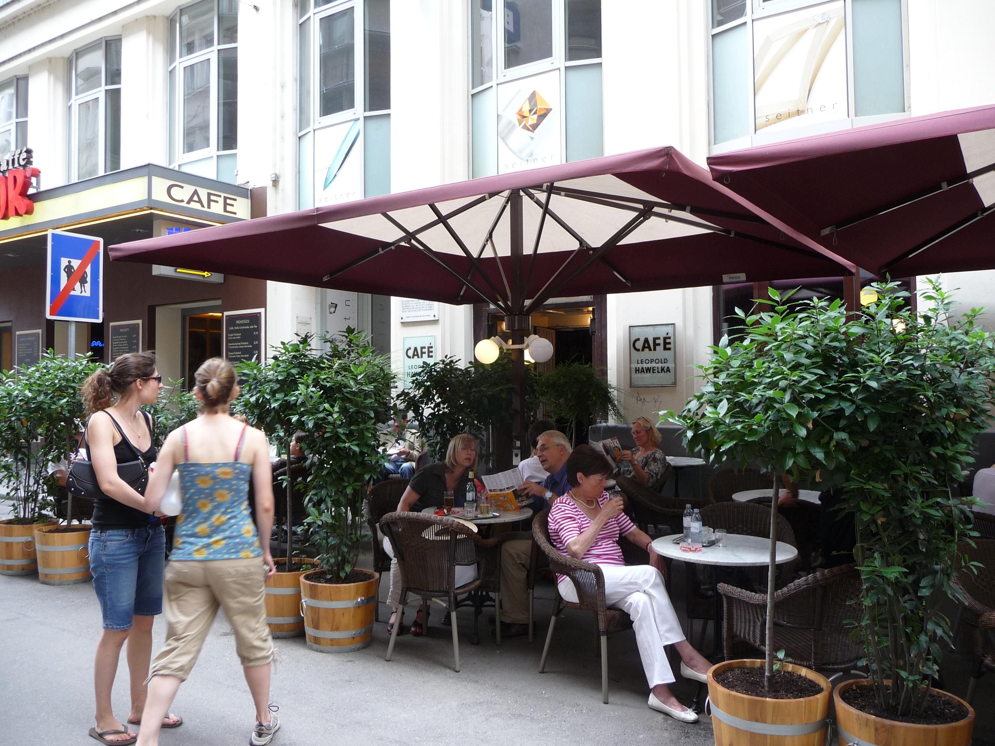 Café Hawelka Exterior.jpg