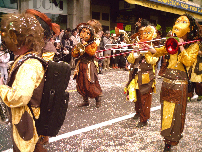 Resultado de imagem para carnaval na suiça