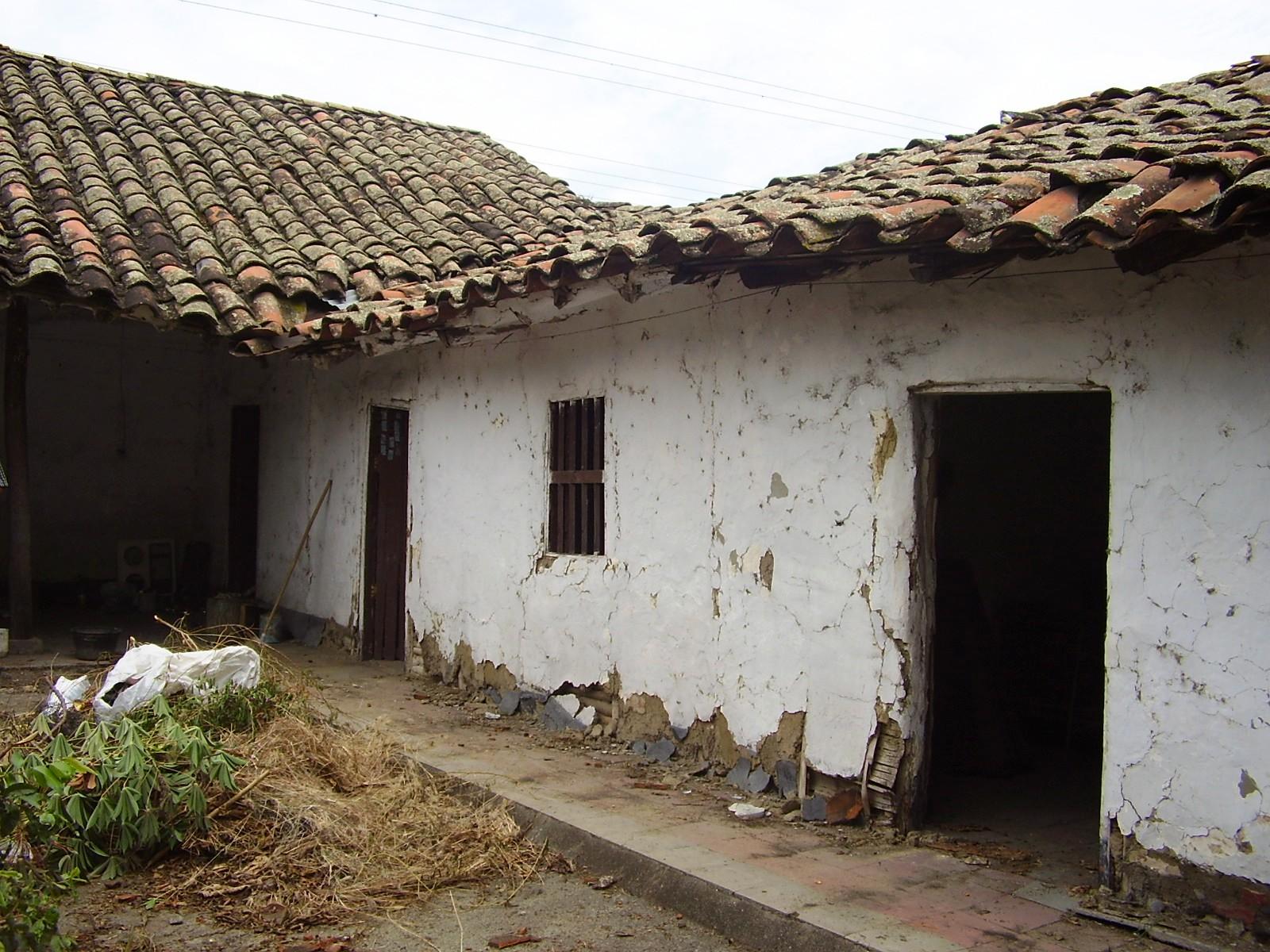 File casa colonial en bahareque manzana 074 el cerrito for Imagenes de casas coloniales
