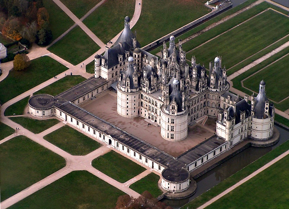 Arial view of the château de Chambord.