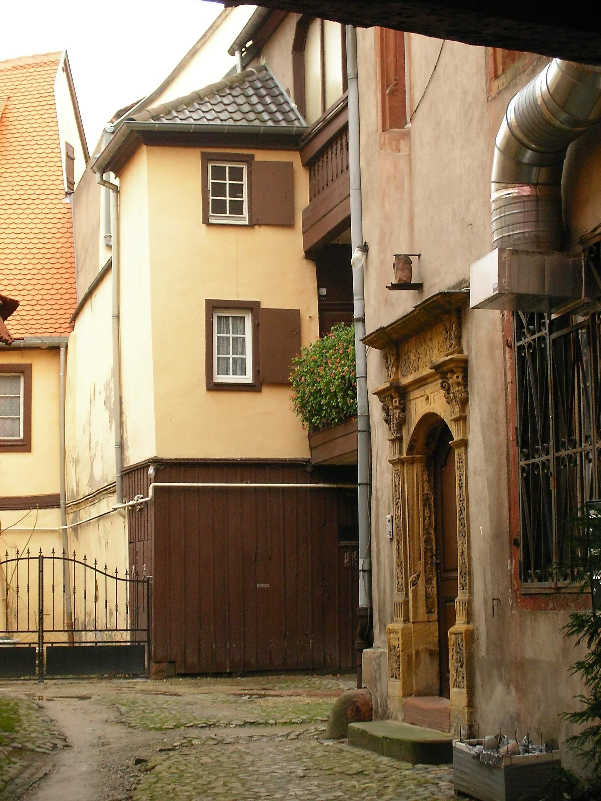 Datei:Colmar Maison cour intérieure (15 rue Berthe-Molly).jpg ...