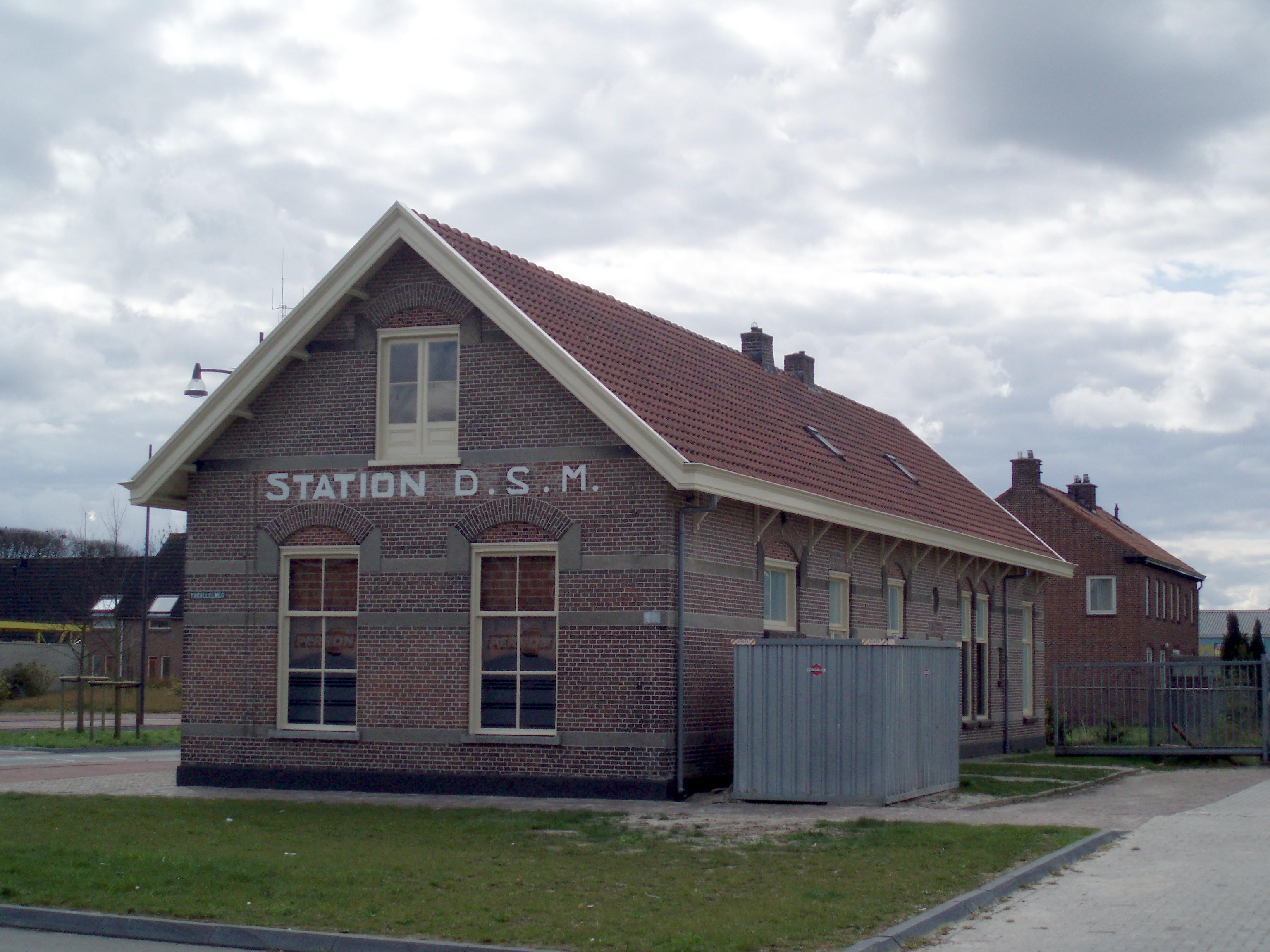 Dsm Keukens Recensie : Station Voorm stationsgebouw van de D S M in Coevorden