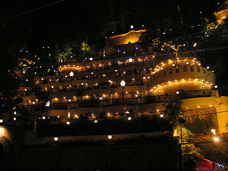 darband-restaurant-night-dining-Tehran's Darband Mountain Retreat