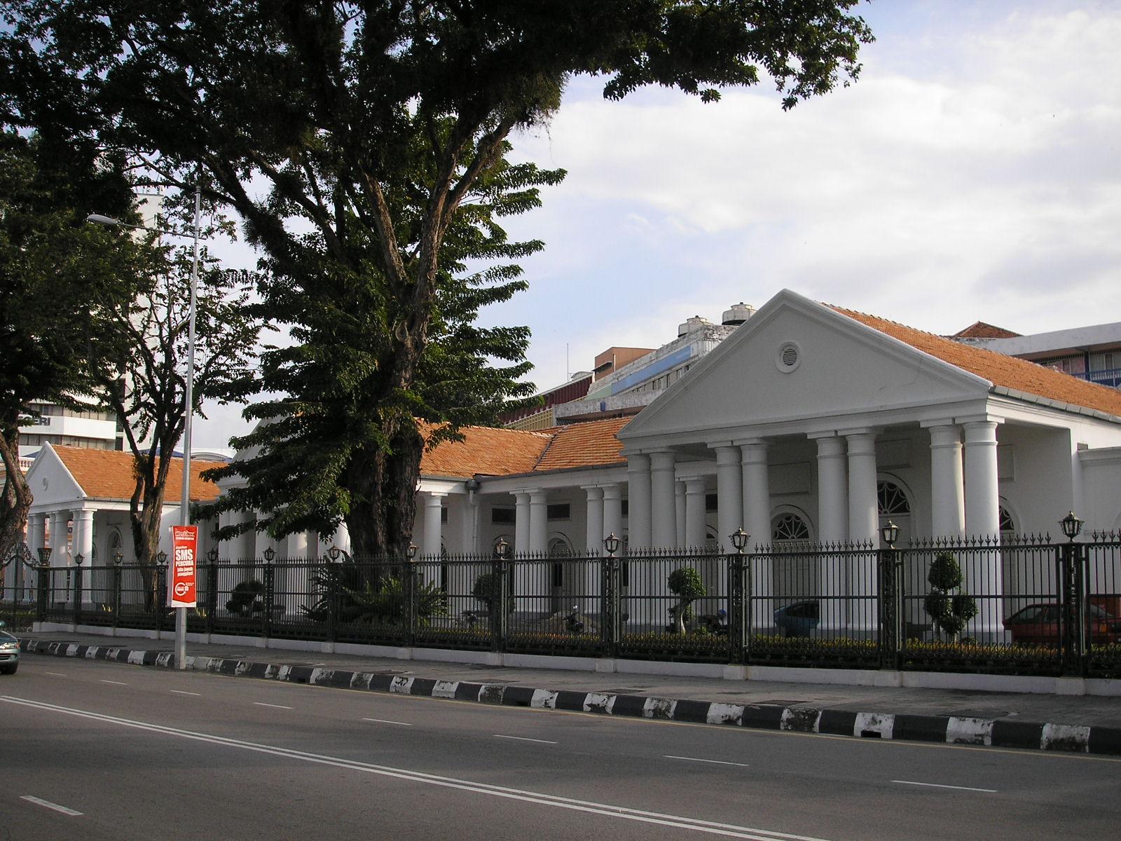 File:Dewan Undangan Negeri Penang Dec 2006 001.jpg1600