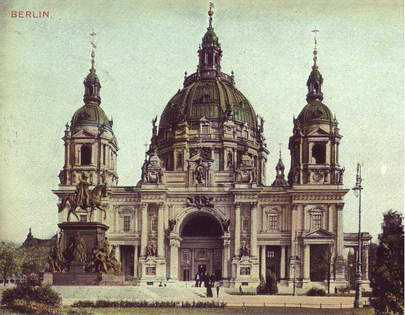 View of Berliner Dom in Berlin, around 1900.