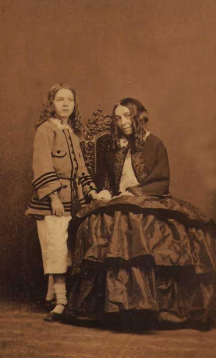 Elizabeth Barrett Browning life and biography