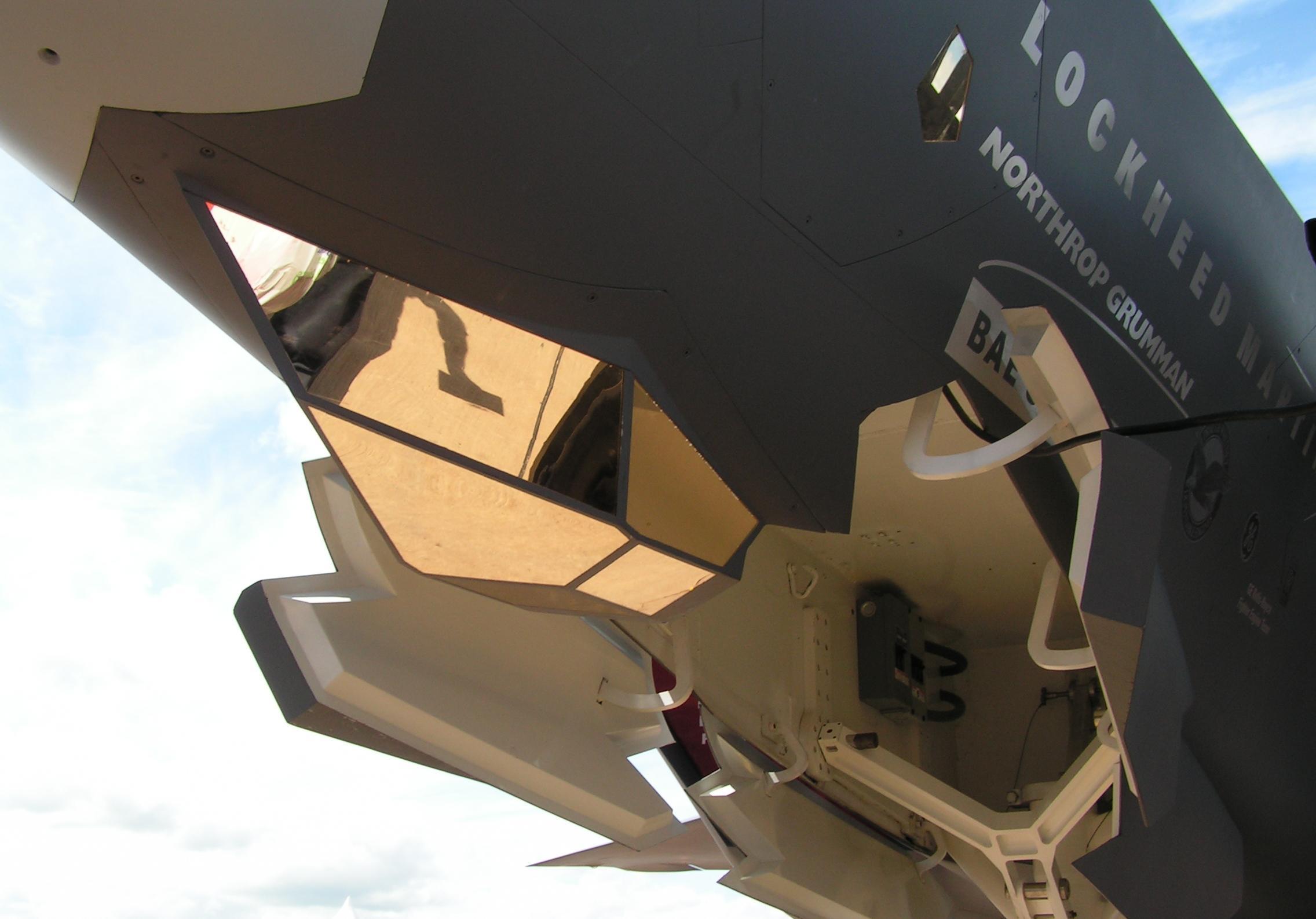 نـظـام الاسـتـهـداف الـشـامـل EOTS F-35_EOTS