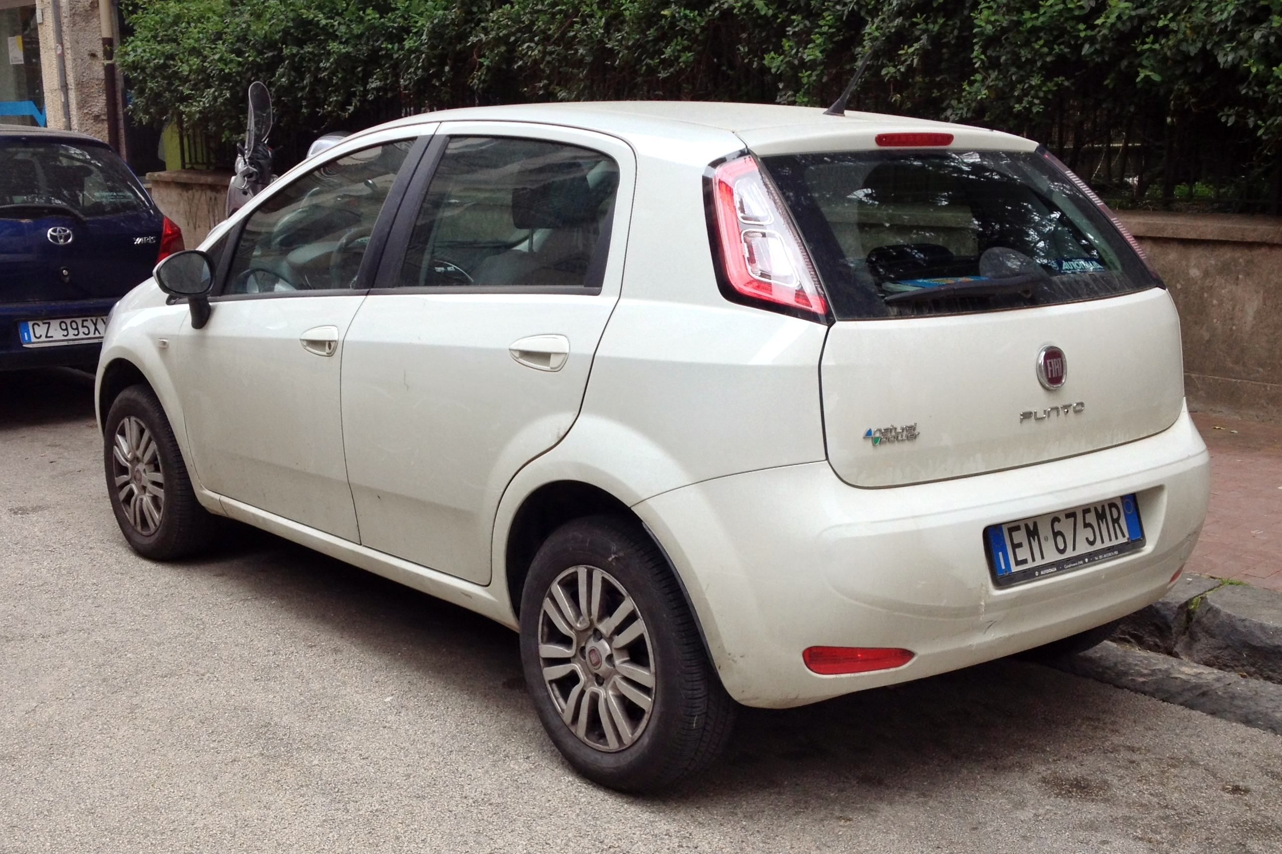 Fiat Grande Punto Wikipedia Cinquecento Fuse Box Layout 2012 14 Natural Power Facelift