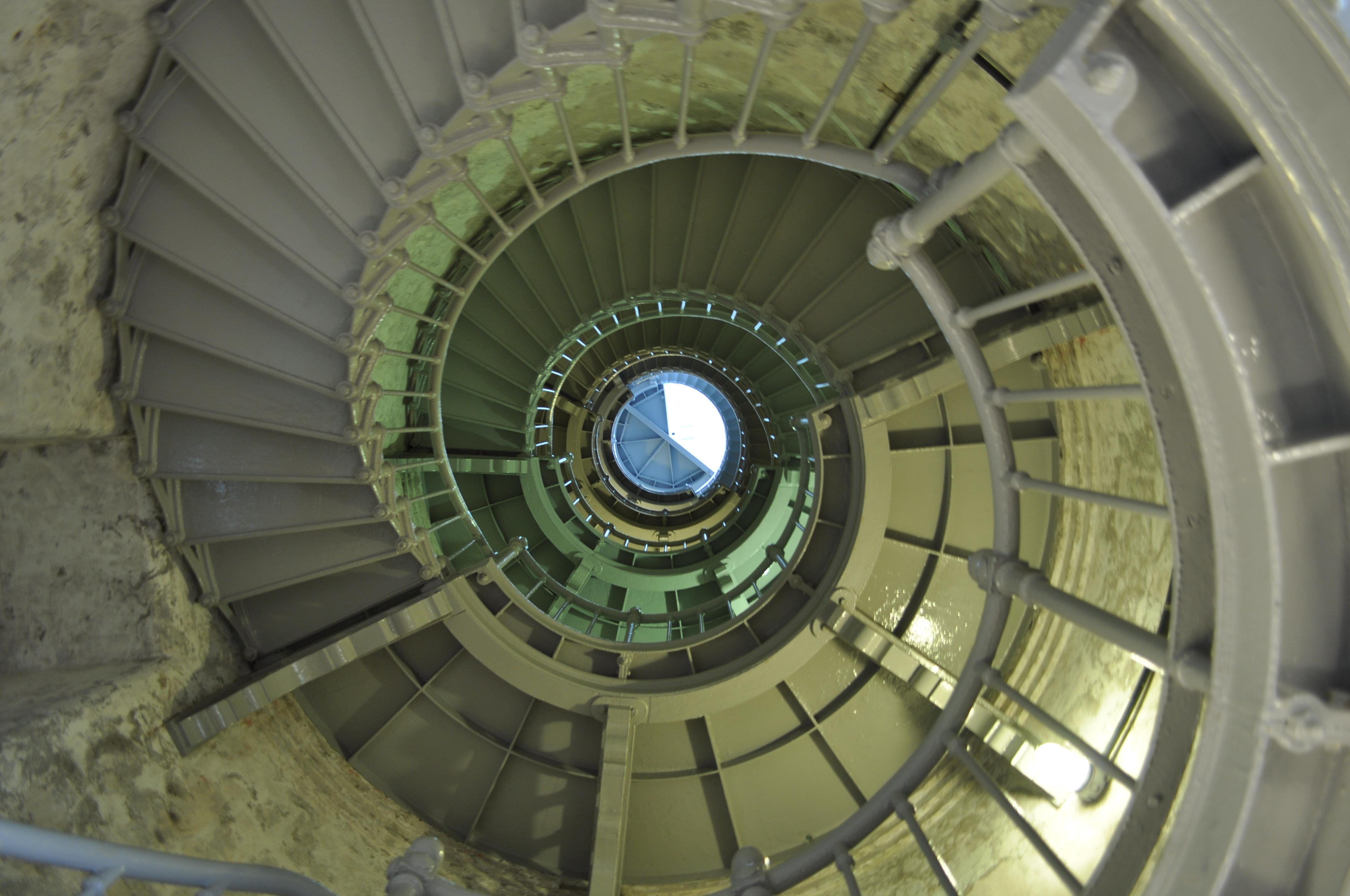 Beautiful File:Grays Harbor (Westport) Lighthouse Interior 01