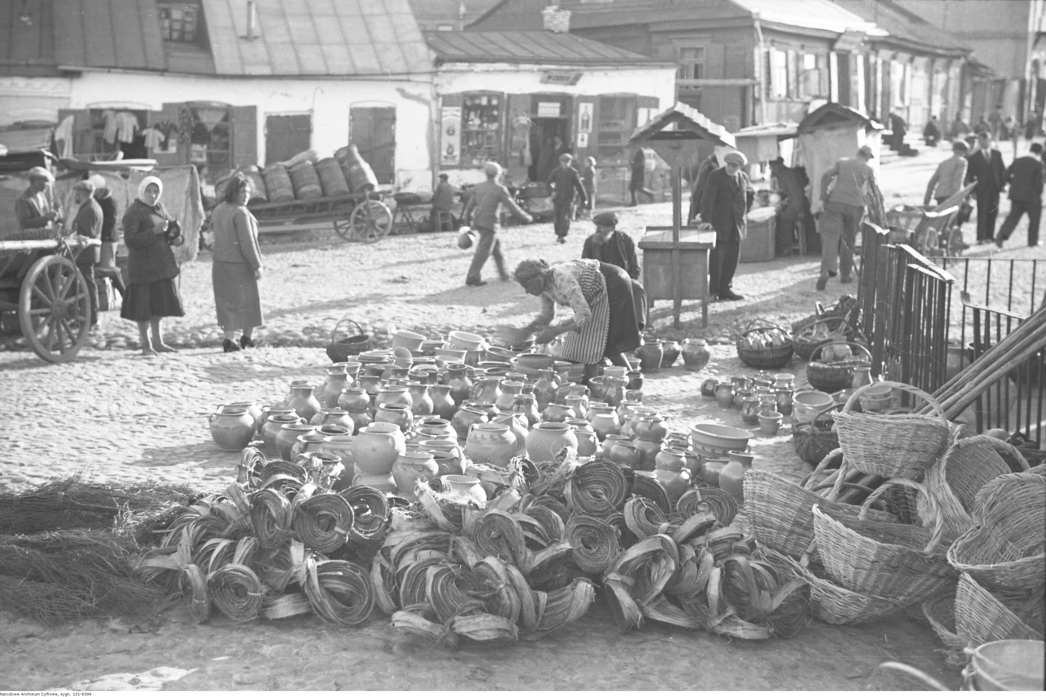 File:Henryk Poddębski - Pińsk (131-6399).jpg - Wikimedia Commons
