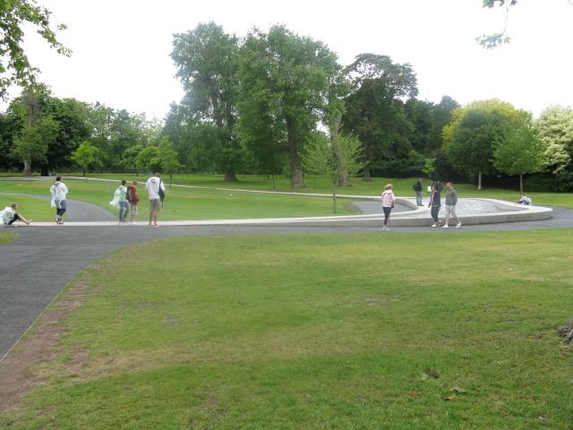 File:Hyde Park - Memorial To HRH Princess Diana - geograph.org.uk - 1325875.jpg