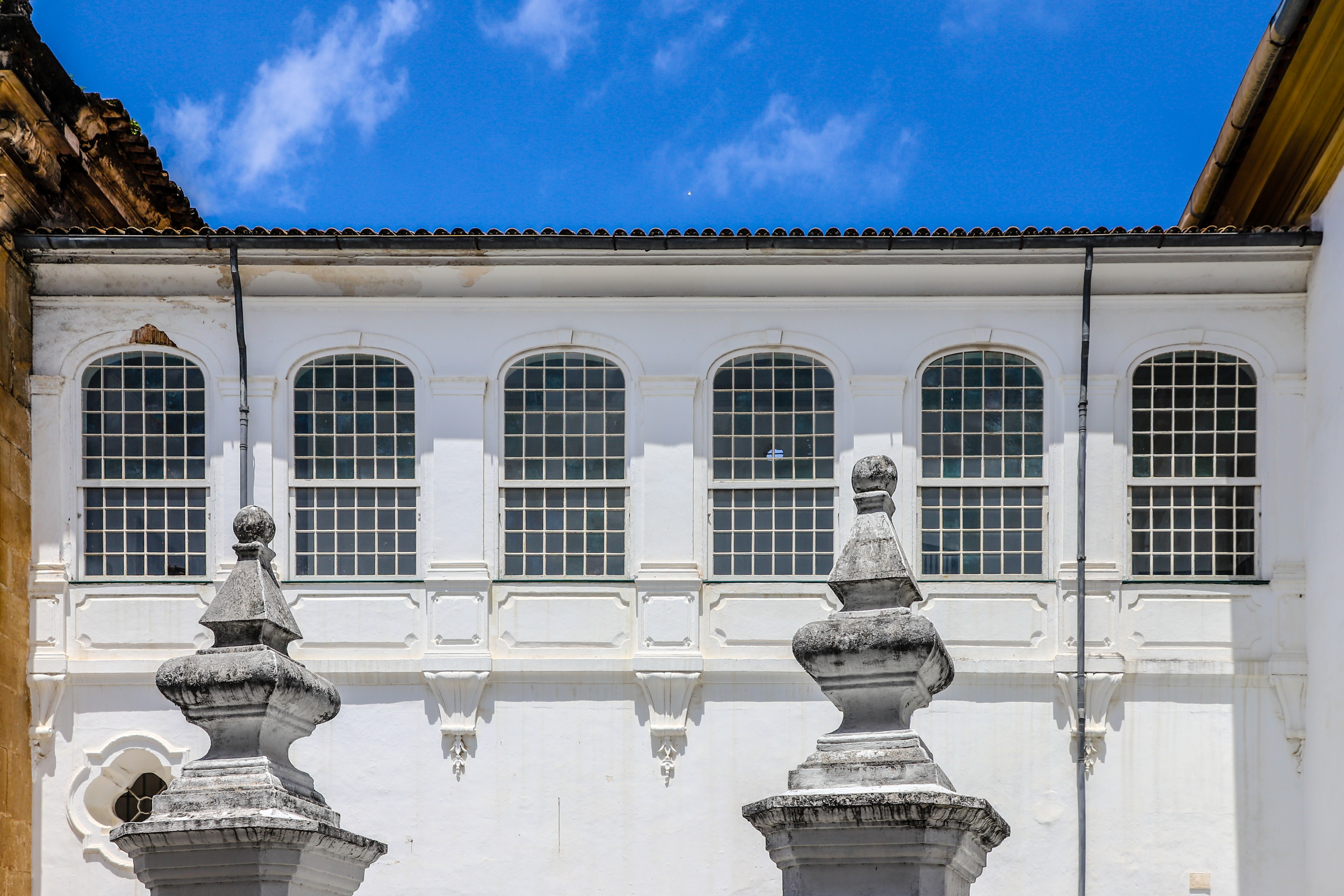 File:Igreja da Ordem Terceira de São Francisco Salvador Corridor