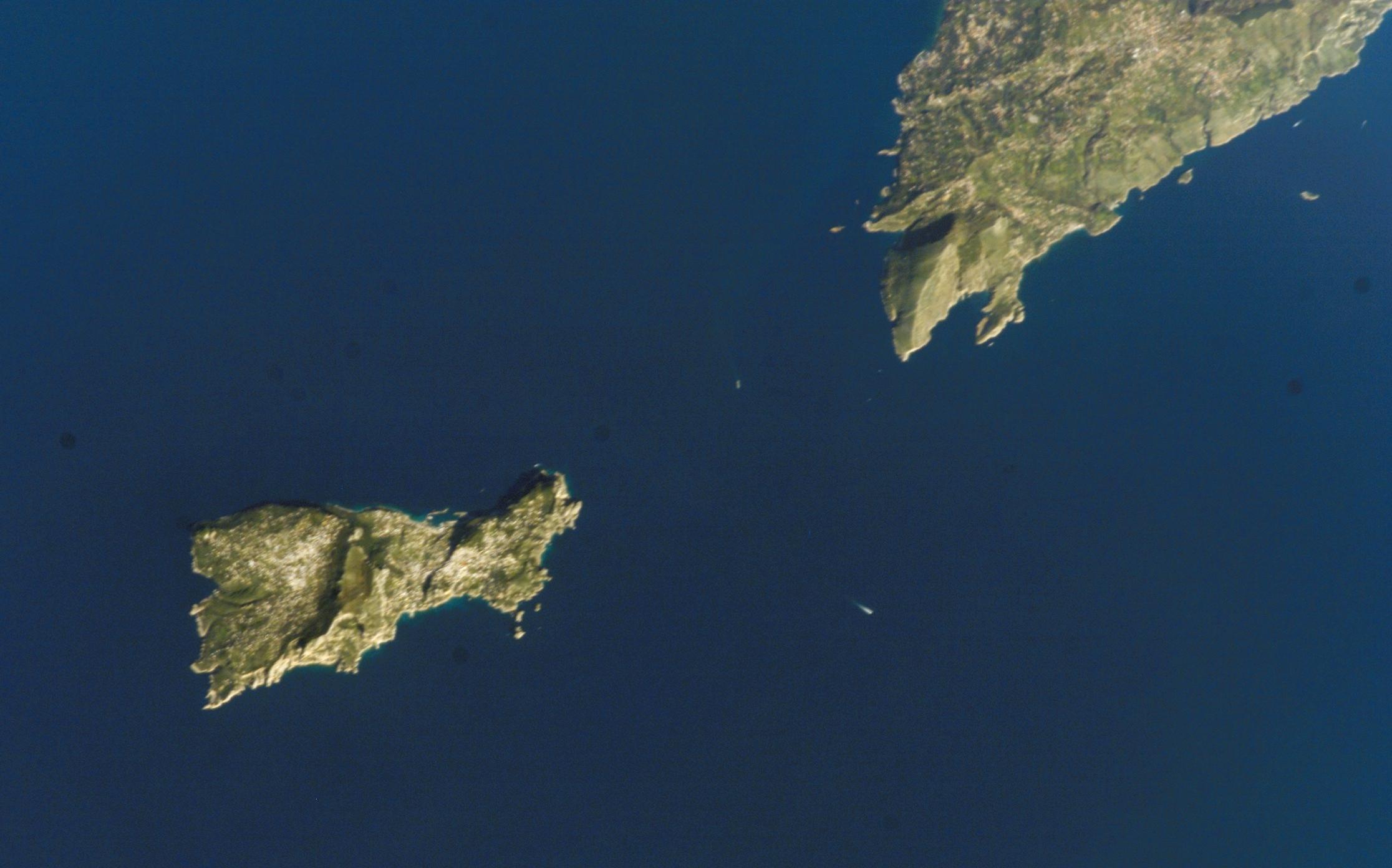 File Isla De Capri Jpg Wikimedia Commons