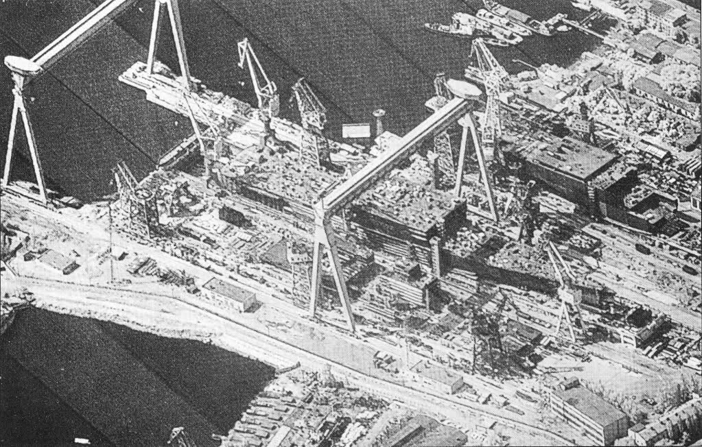 http://upload.wikimedia.org/wikipedia/commons/1/18/KH-11-best-SHIPYARD.jpg