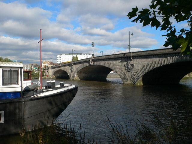 Kew Bridge - geograph.org.uk - 2138195