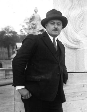 File:Maxime Real del Sarte 1928.jpg