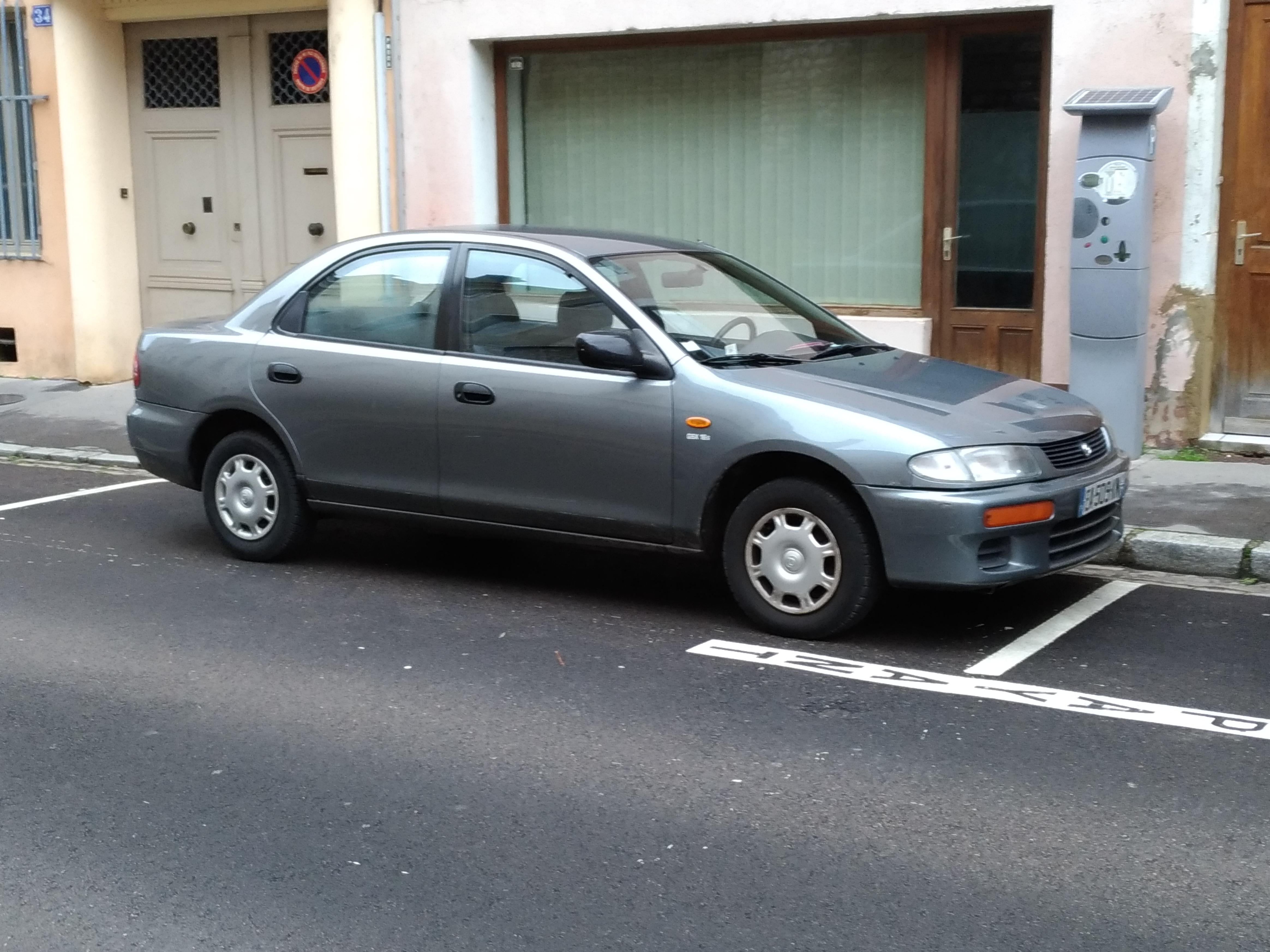 Kelebihan Mazda 323 Familia Perbandingan Harga