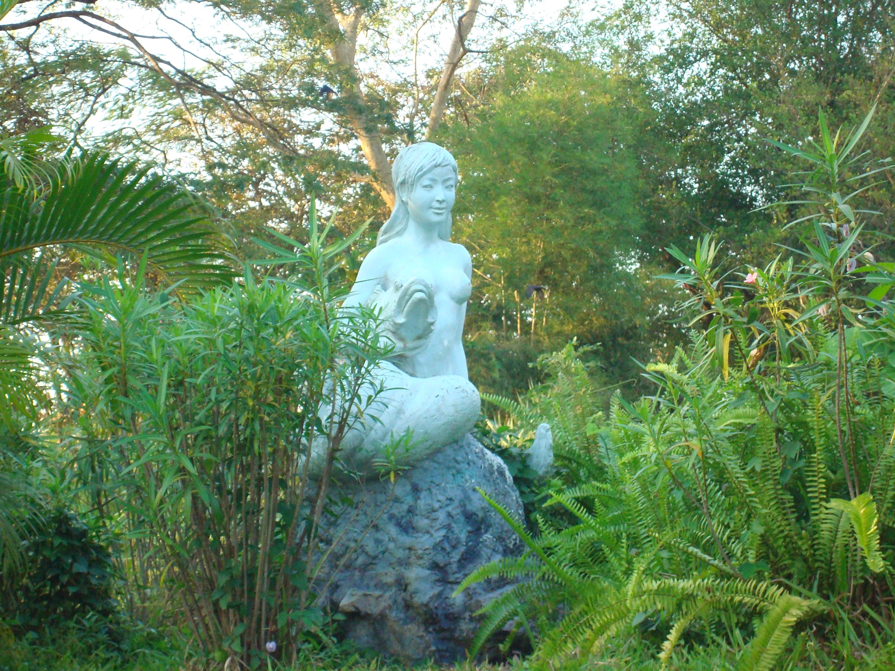 File:Mermaid Statue At Kandawgyi Garden.JPG