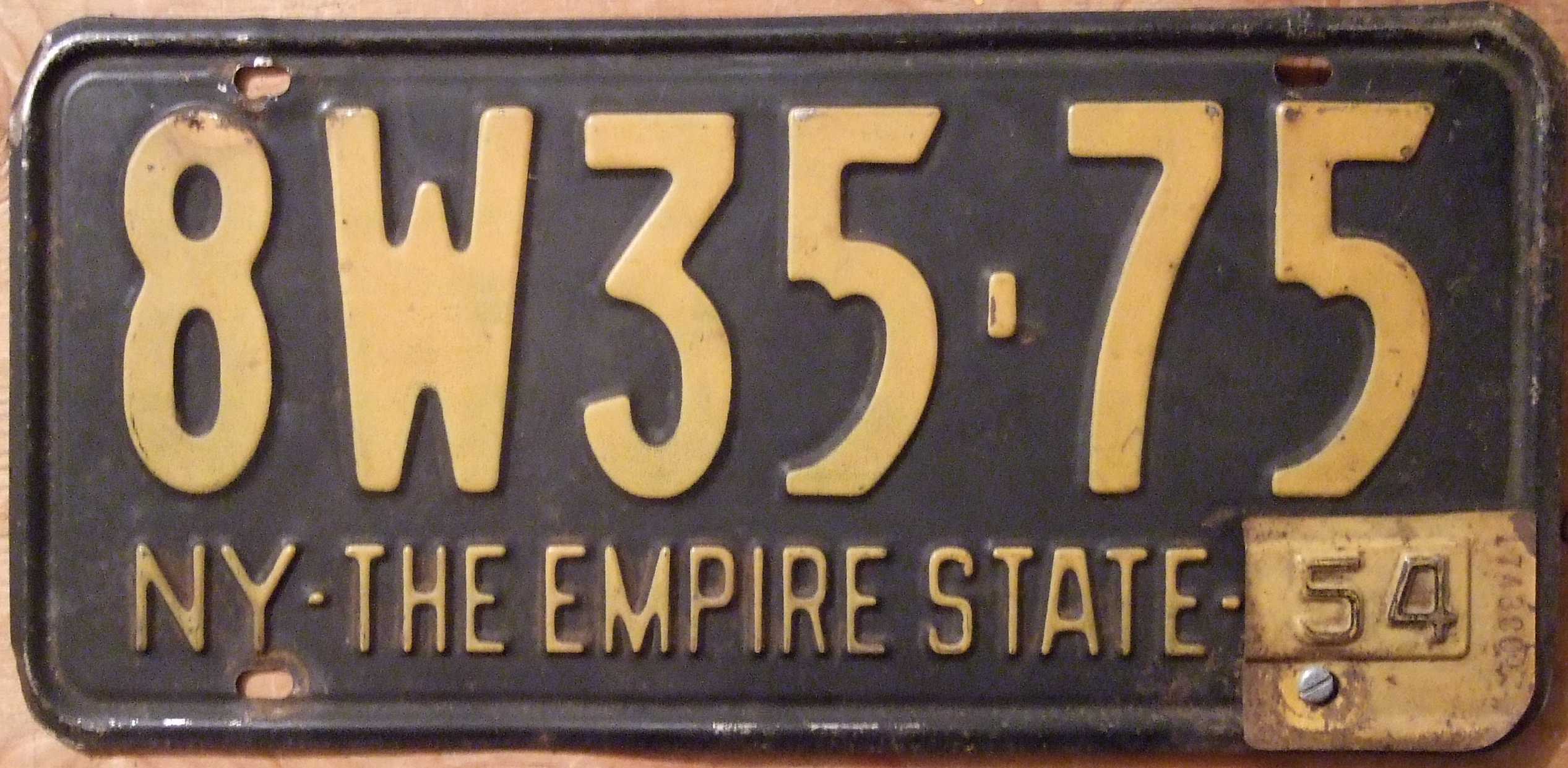 File:NEW YORK 1954 LICENSE PLATE, 1953 plate with \