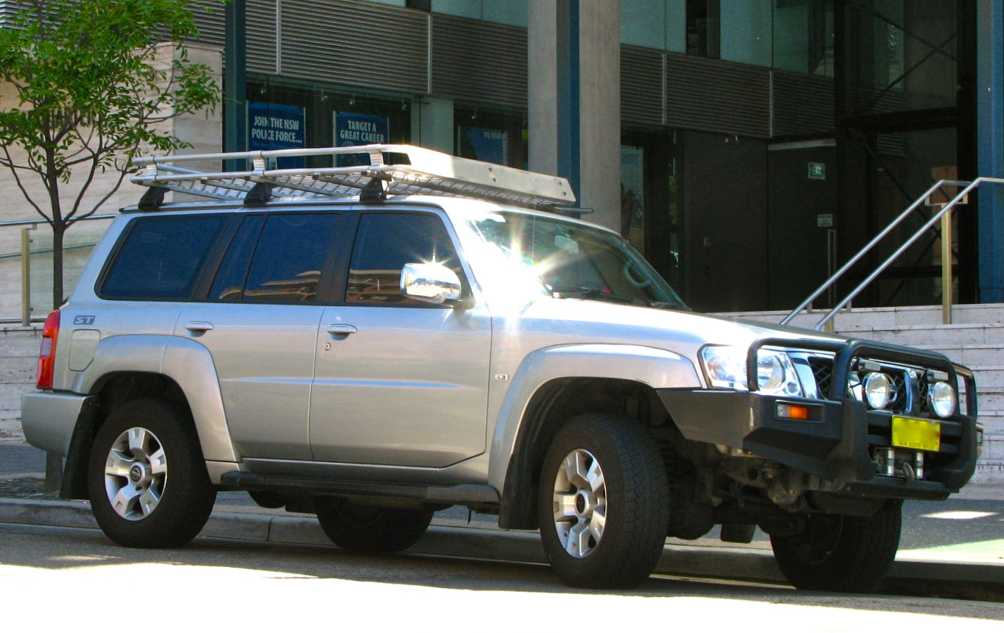File:NSW Police Force Nissan Patrol ST unmarked caged