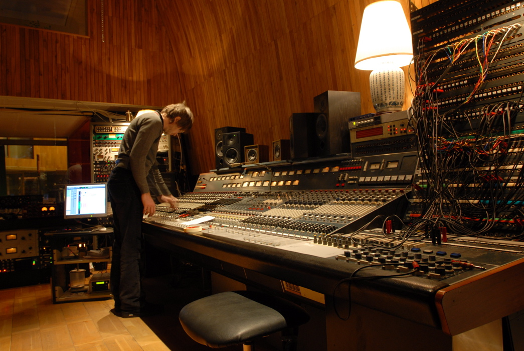 Mystery Project Pt 1: The Basics of Vintage Neve Circuitry