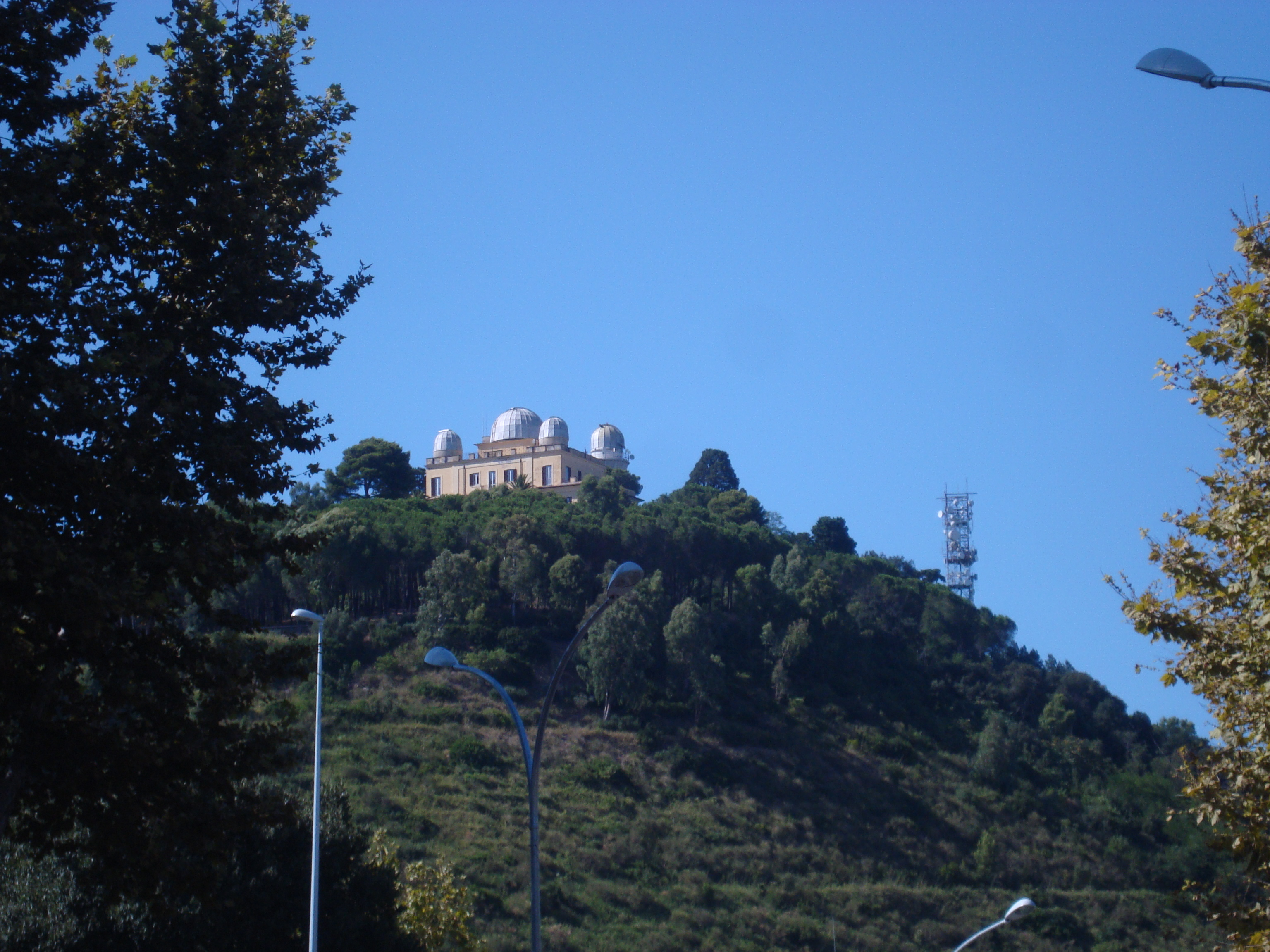 File:Observatoire de Rome sur le Monte Mario JPG  Wikimedia Commons