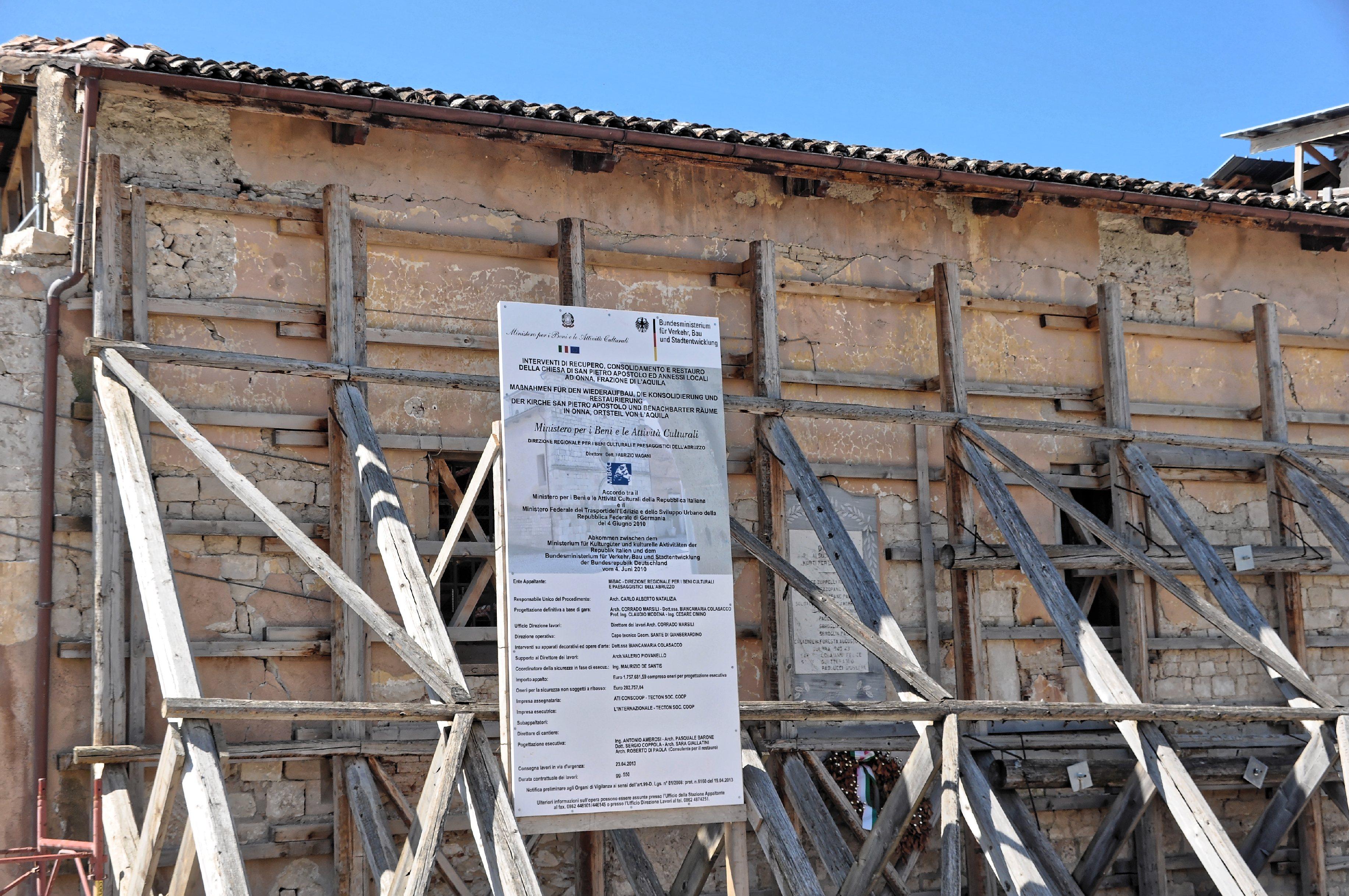 Fileonna Laquila 2013 By Raboe 075jpg Wikimedia Commons