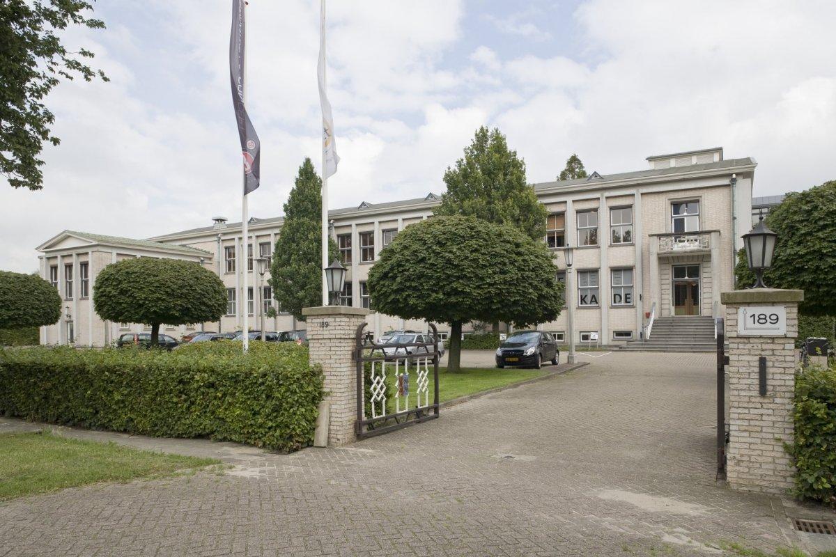 Provinciaal en gemeentelijk utrechts stroomleveringsbedrijf wikipedia - Saint maclou tapijt van gang ...