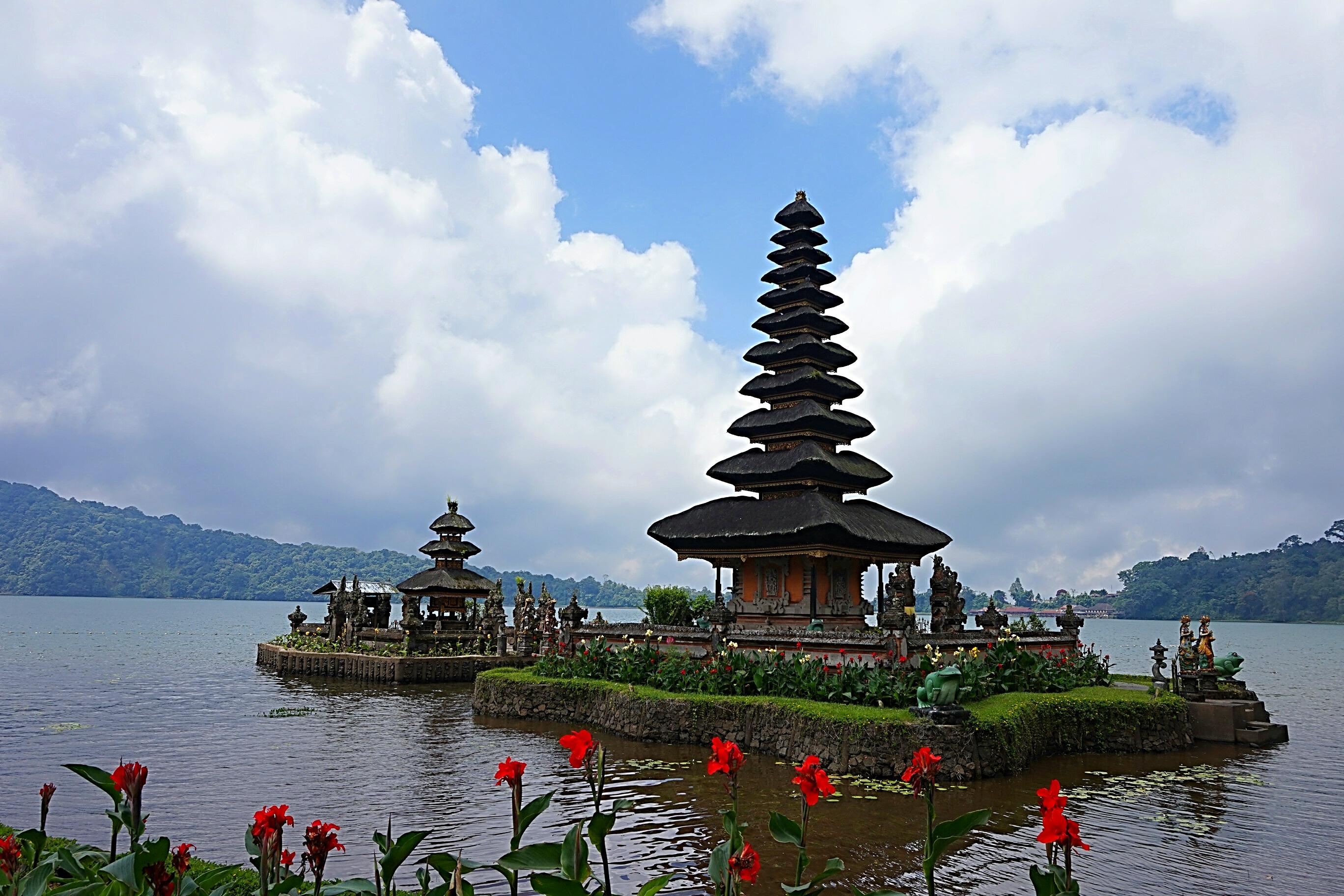 File Pura Ulun Danu Bratan Bedugul Bali 1 Jpg