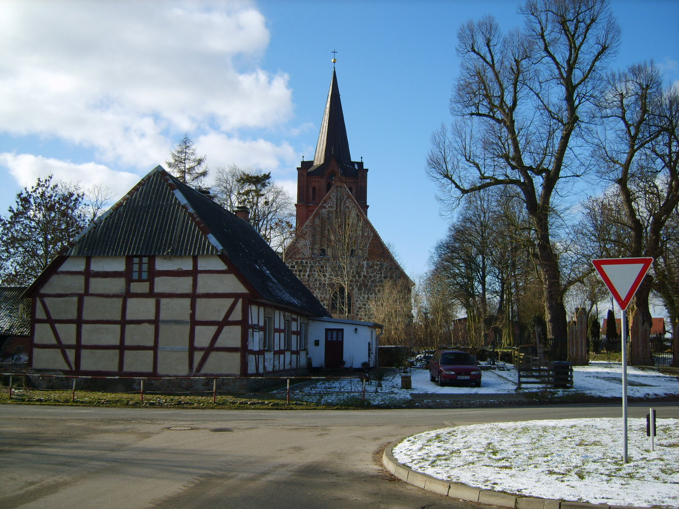 Ranzin-Dorfplatz-0702l-047.JPG
