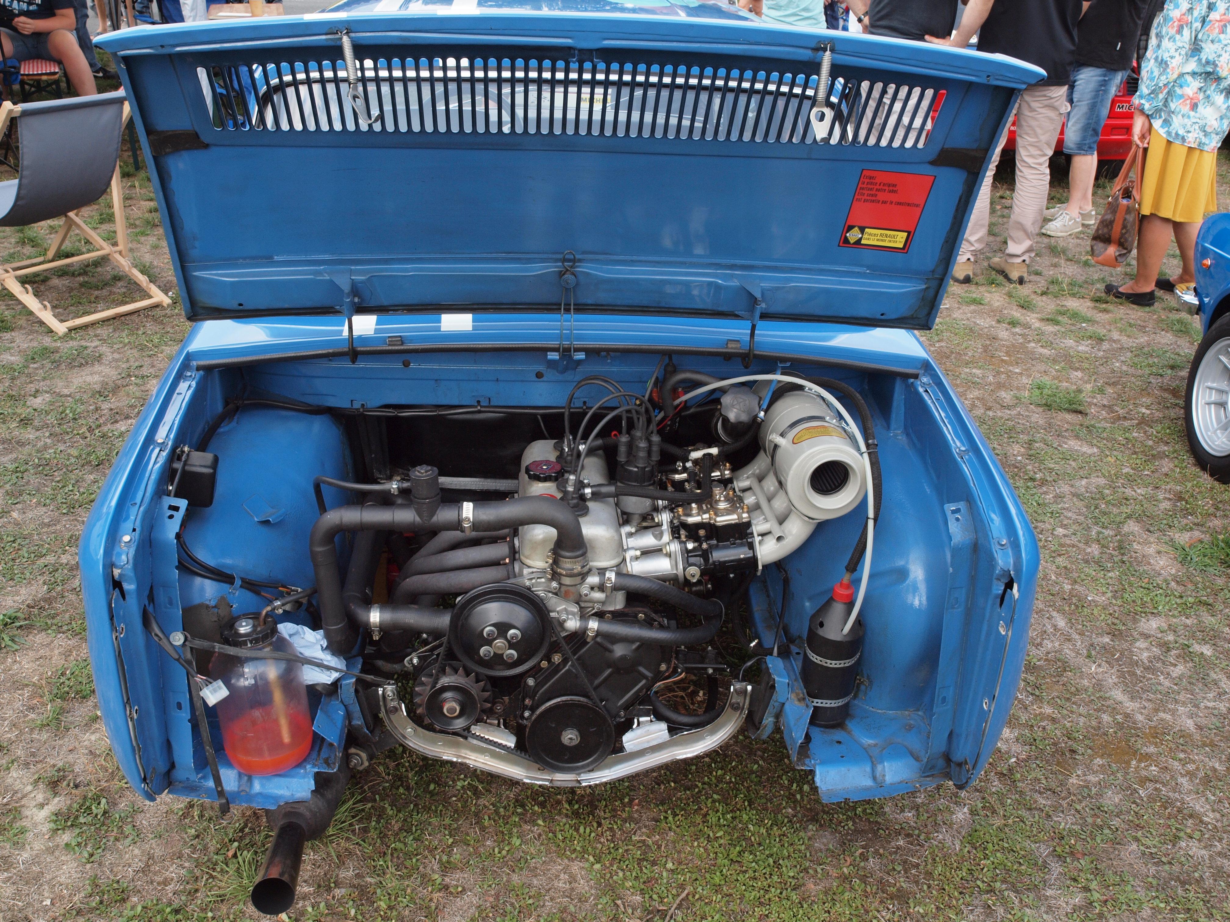 File Renault 8 Gordini Motor Aufgenommen Am 19 08 2018 In Diepholz Jpg Wikimedia Commons