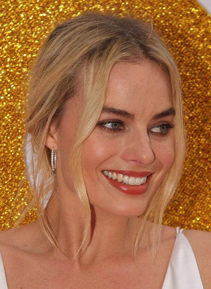 File:SYDNEY, AUSTRALIA - JANUARY 23 Margot Robbie arrives at the ...