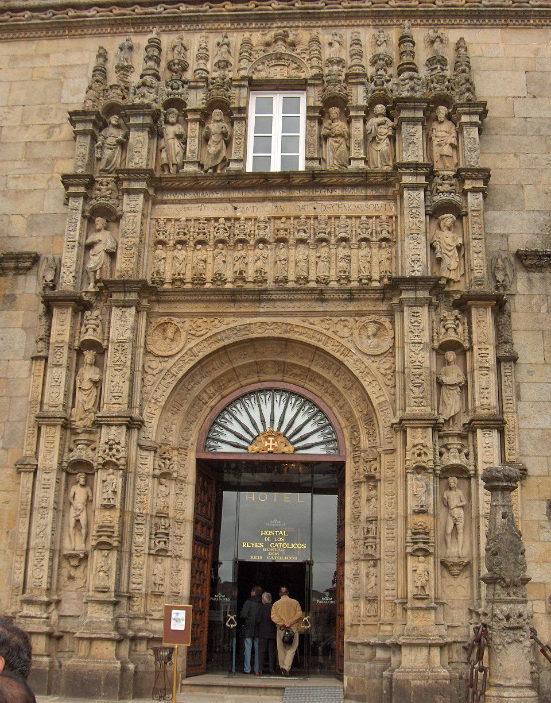 Fachada del Hospital de los Reyes Católicos