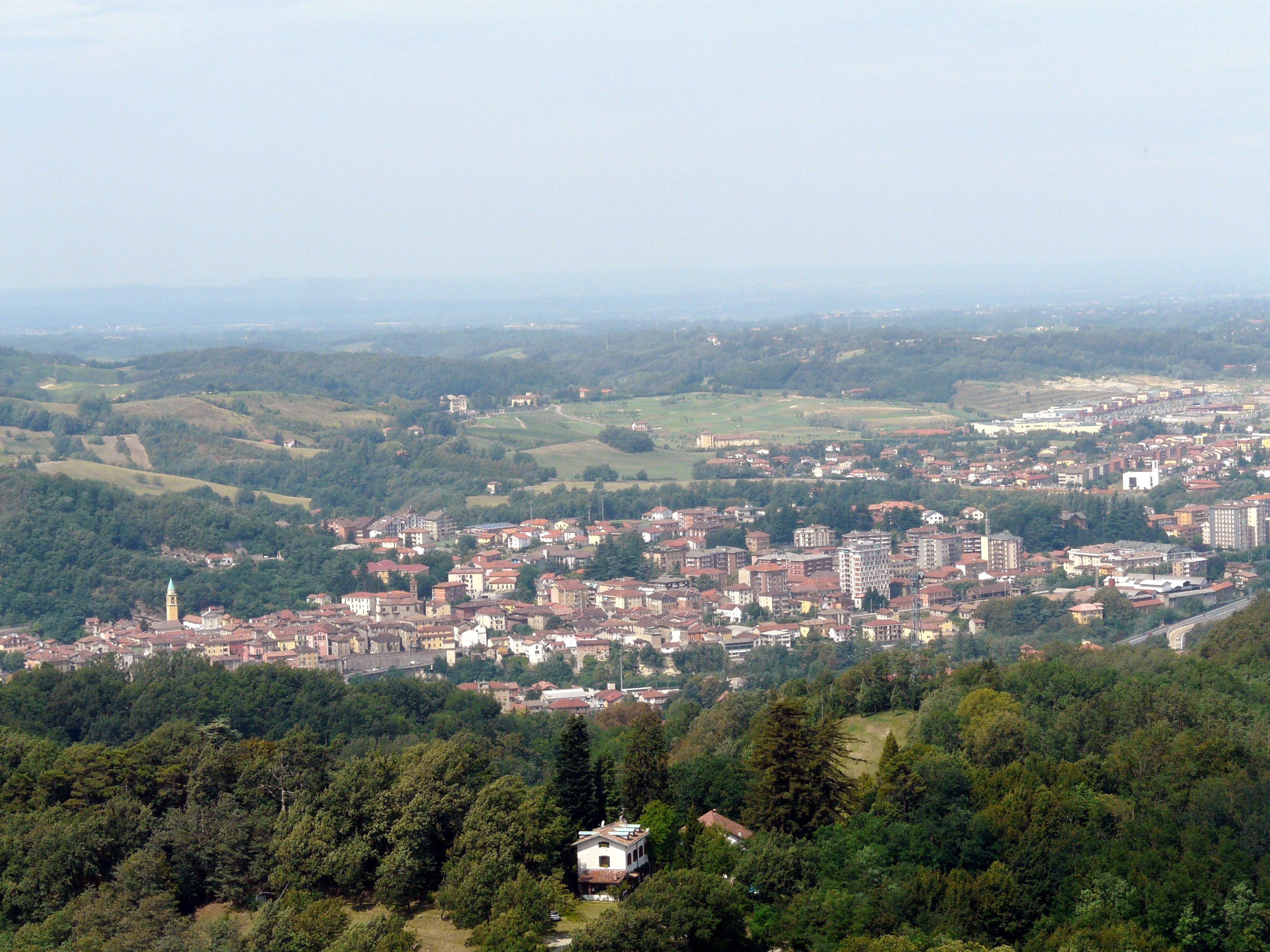 Serravalle scrivia city italy hd wallpapers and photos for Serravalle italy