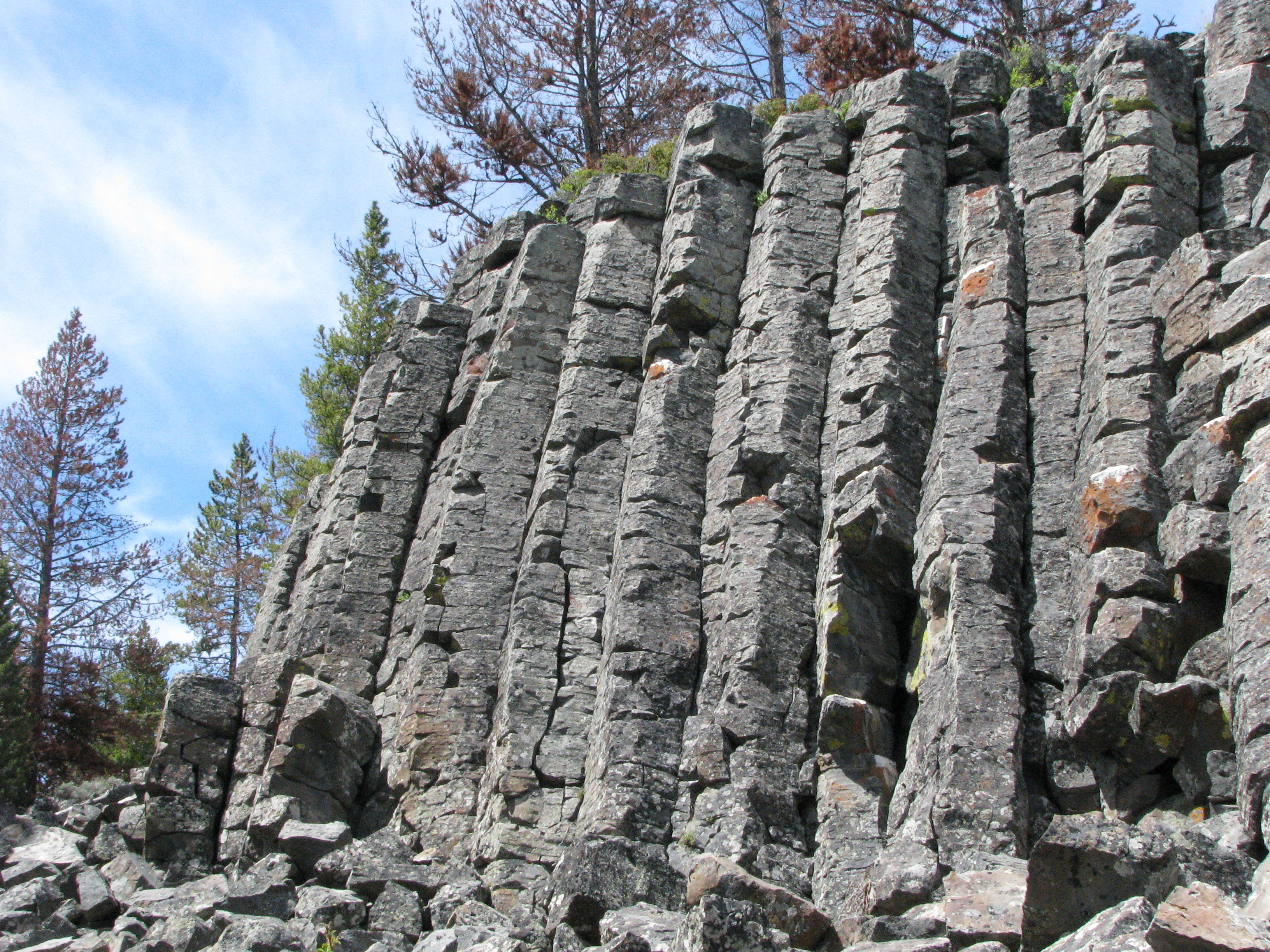 Description Of Basalt : File sheepeater cliff yellowstone june g