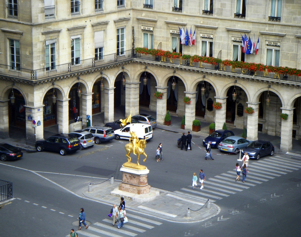 File Statue Of Jeanne D Arc In Paris Rue De Rivoli 2008 Jpg Wikimedia Commons