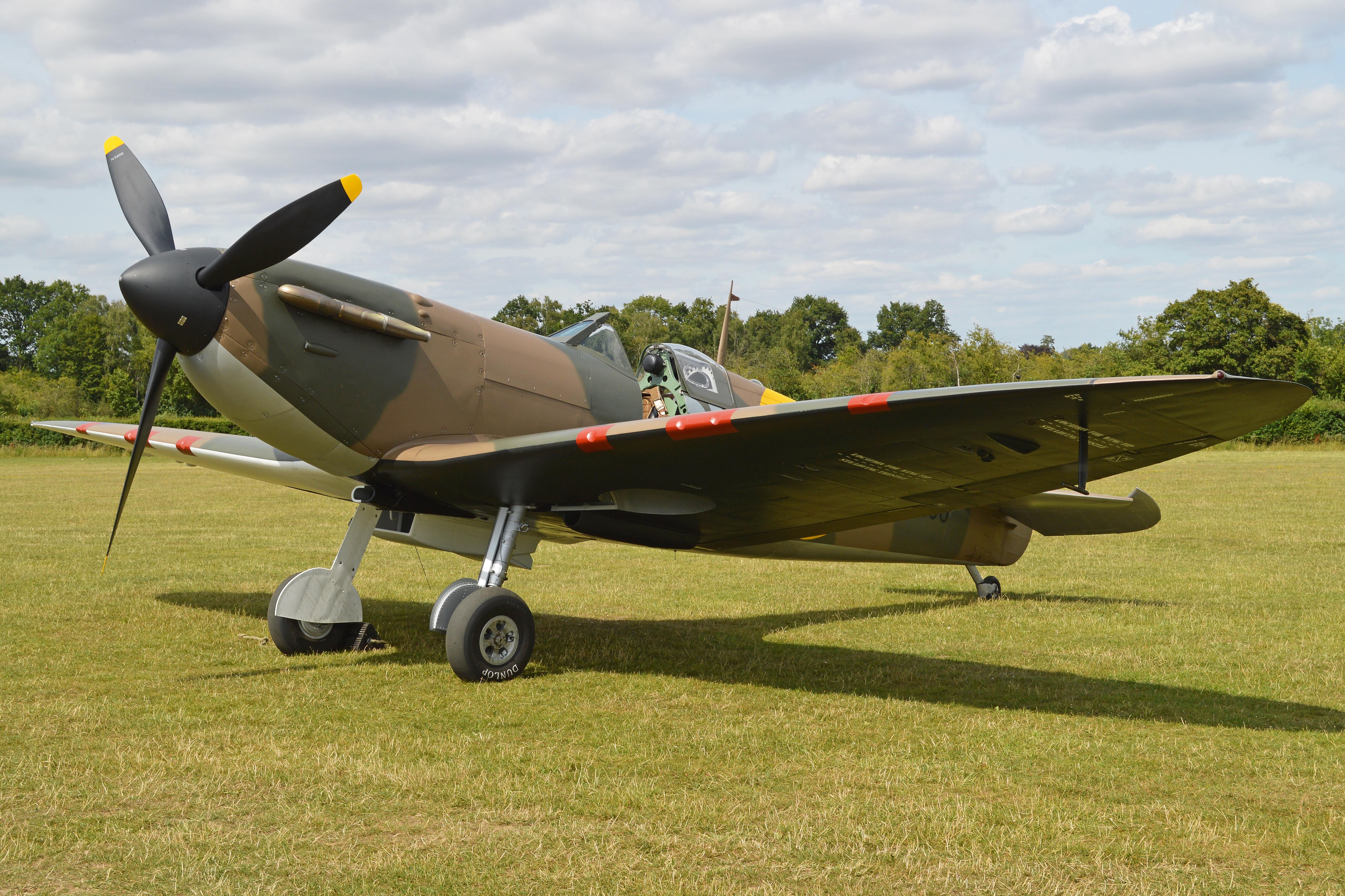 Supermarine Spitfire Ia N3200 (G-CFGJ)