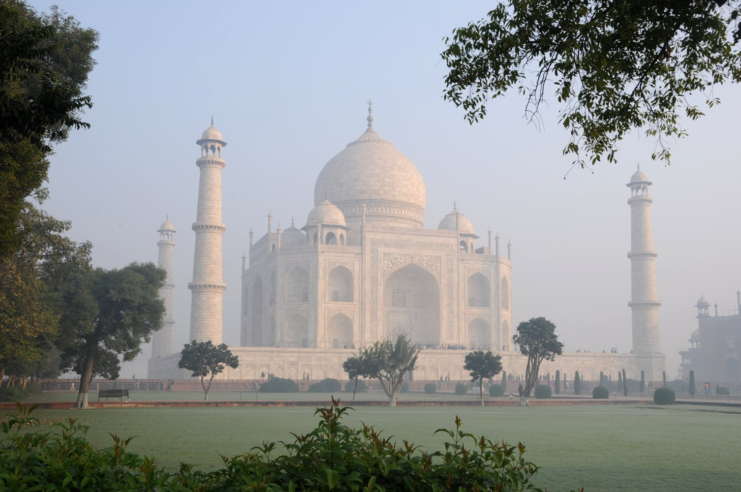 Arshi 39 s new golden world ch 10 updated page 64 page 17 for Taj mahal exterior design