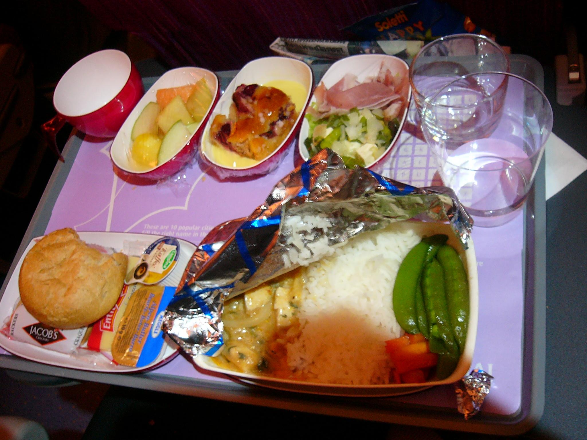 File thai airways meal long haul flight economy jpg for Air thai cuisine