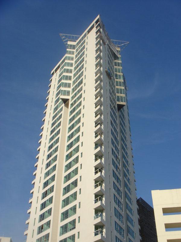 torre titanium wikipedia