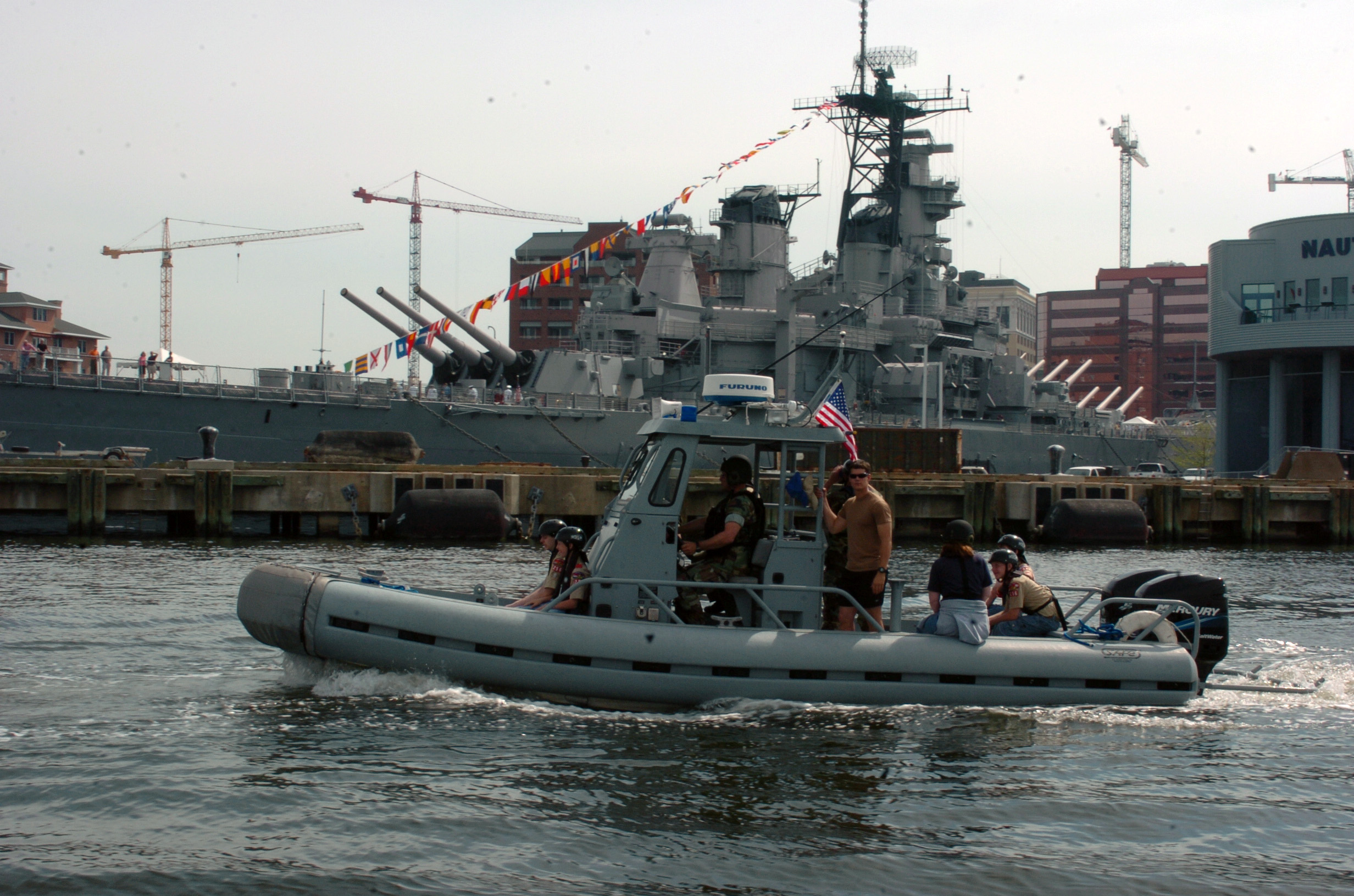 File:US Navy 060414-N-5681S-134 Boy Scout Troop 256 from