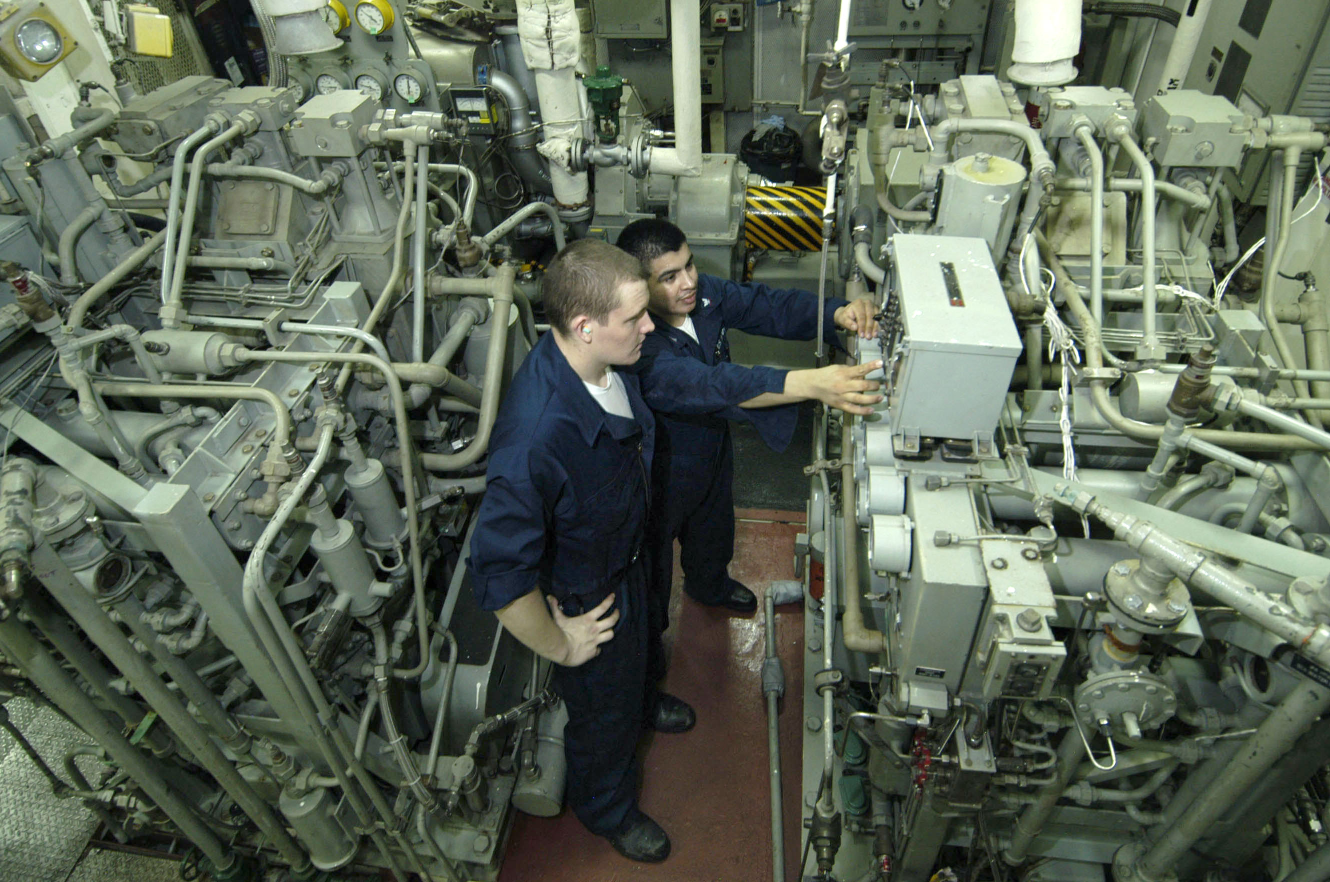 file us navy 060623 n 3136p 052 machinist s mate 3rd class