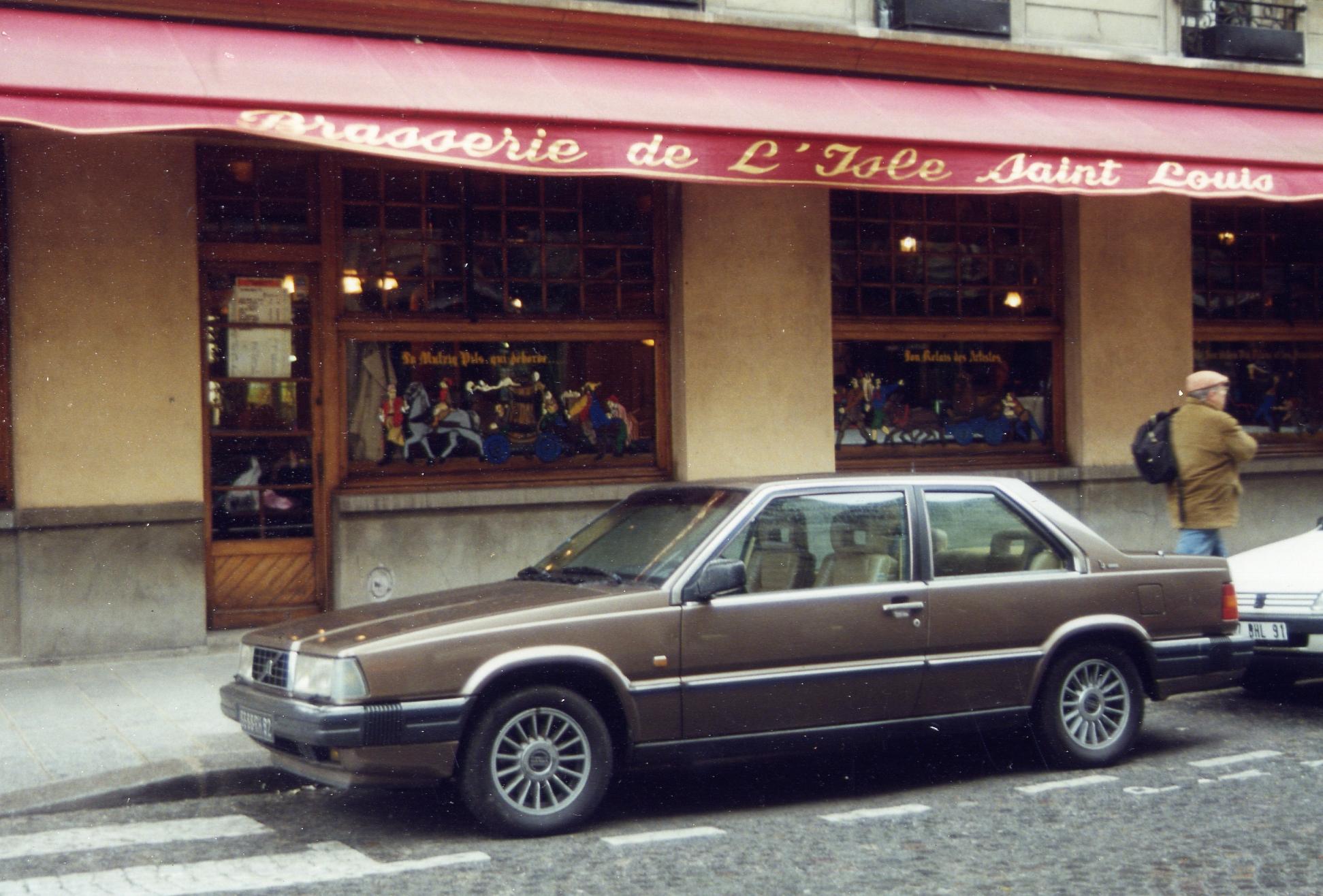 Volvo 780 Bertone in Paris, France.jpg