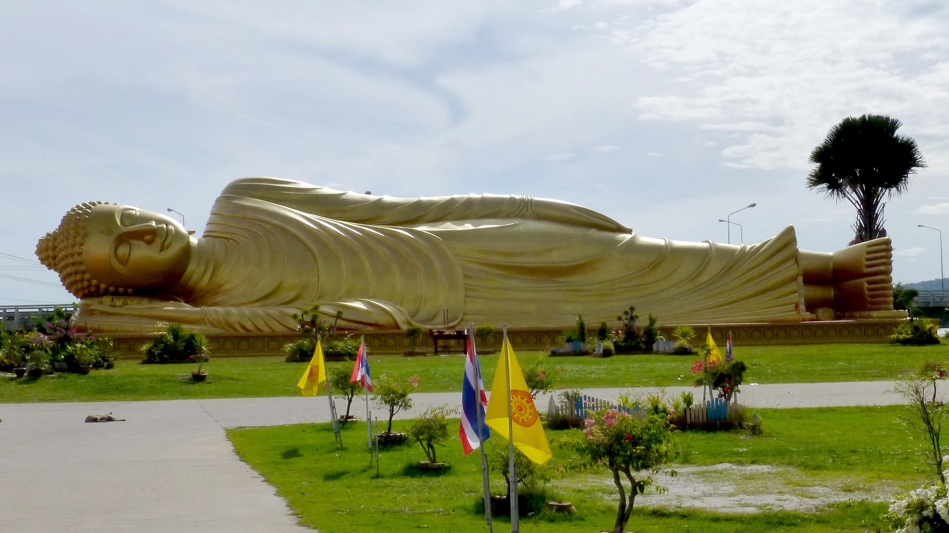 FileWat Phranon Laem Pho - 001 Reclining Buddha Statue (10358770663).jpg & File:Wat Phranon Laem Pho - 001 Reclining Buddha Statue ... islam-shia.org