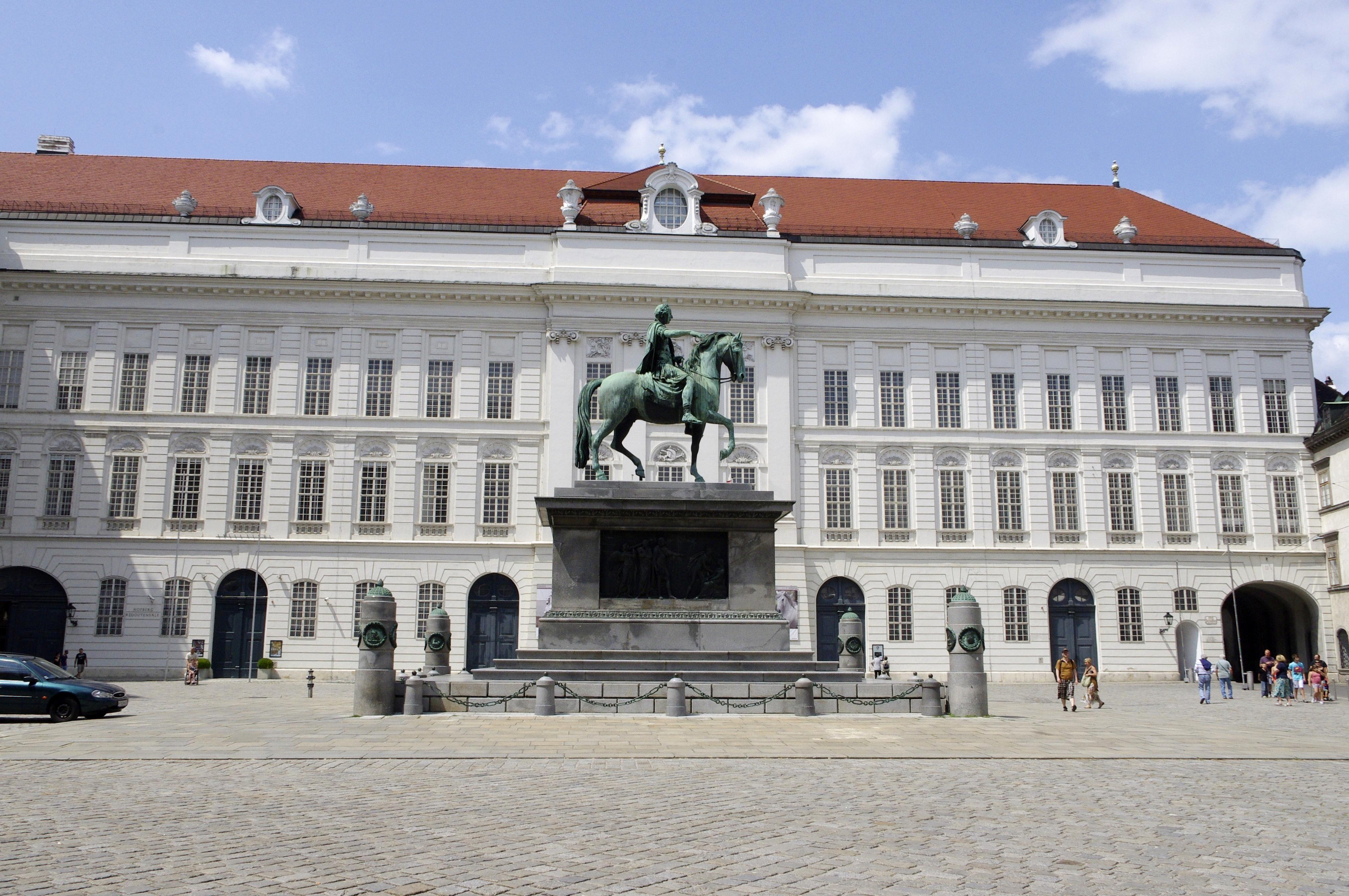 Wien-Josefsplatz 03.JPG