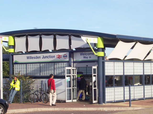 Bestand:Willesden Junction Station NW10 - geograph.org.uk - 309924.jpg