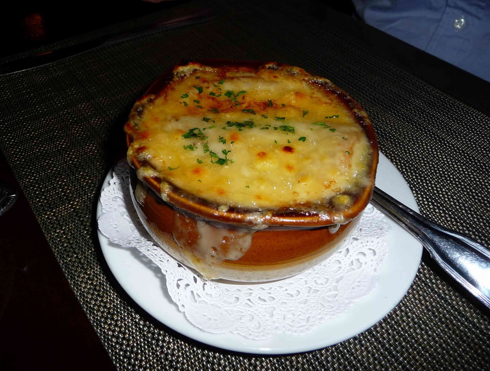 How Do You Eat French Onion Soup?