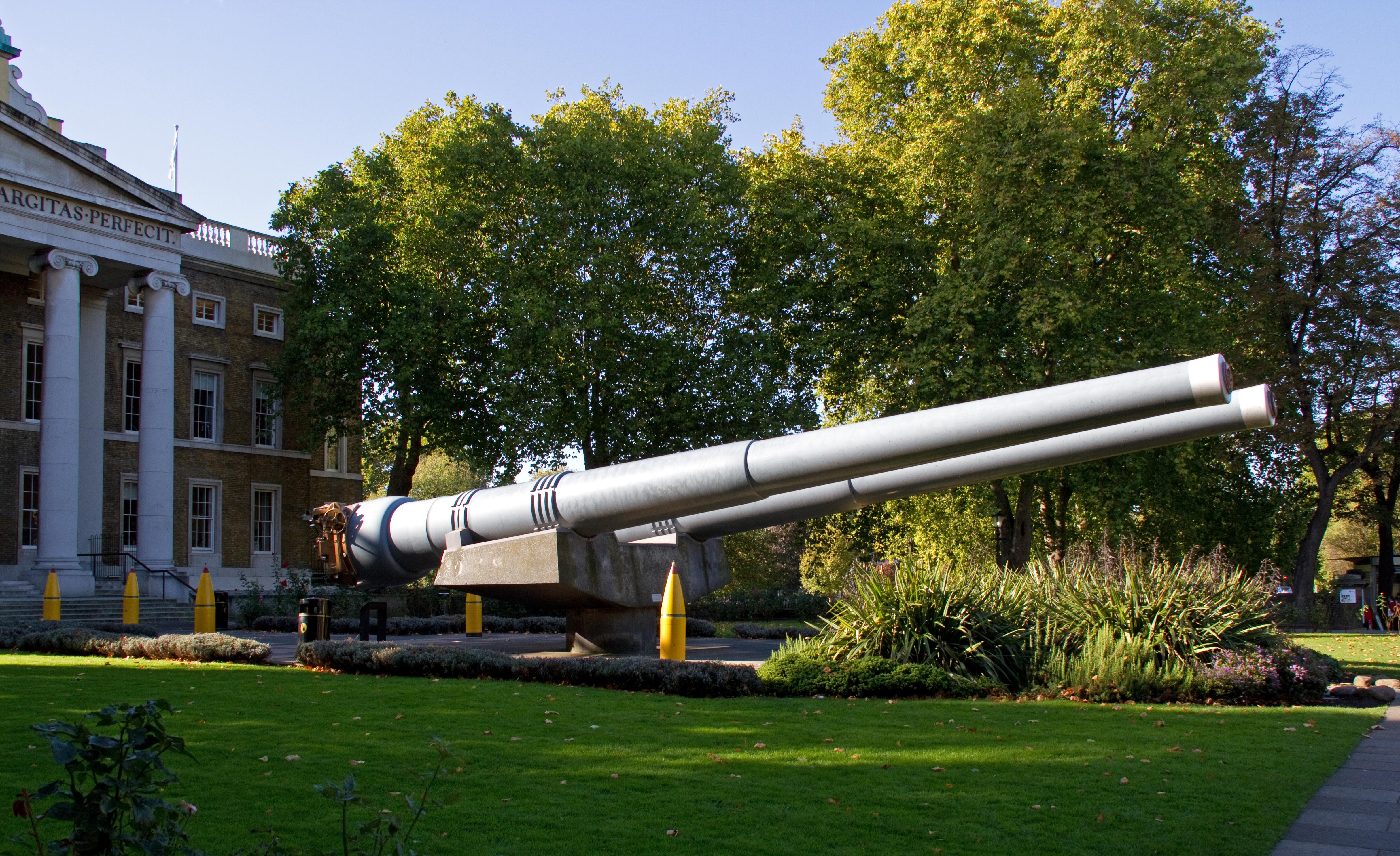 File:15inch Naval Guns (6264175943).jpg - Wikimedia Commons